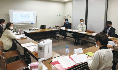 県央支部12月例会 座談会の様子